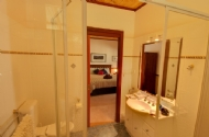Family room ensuite bathroom